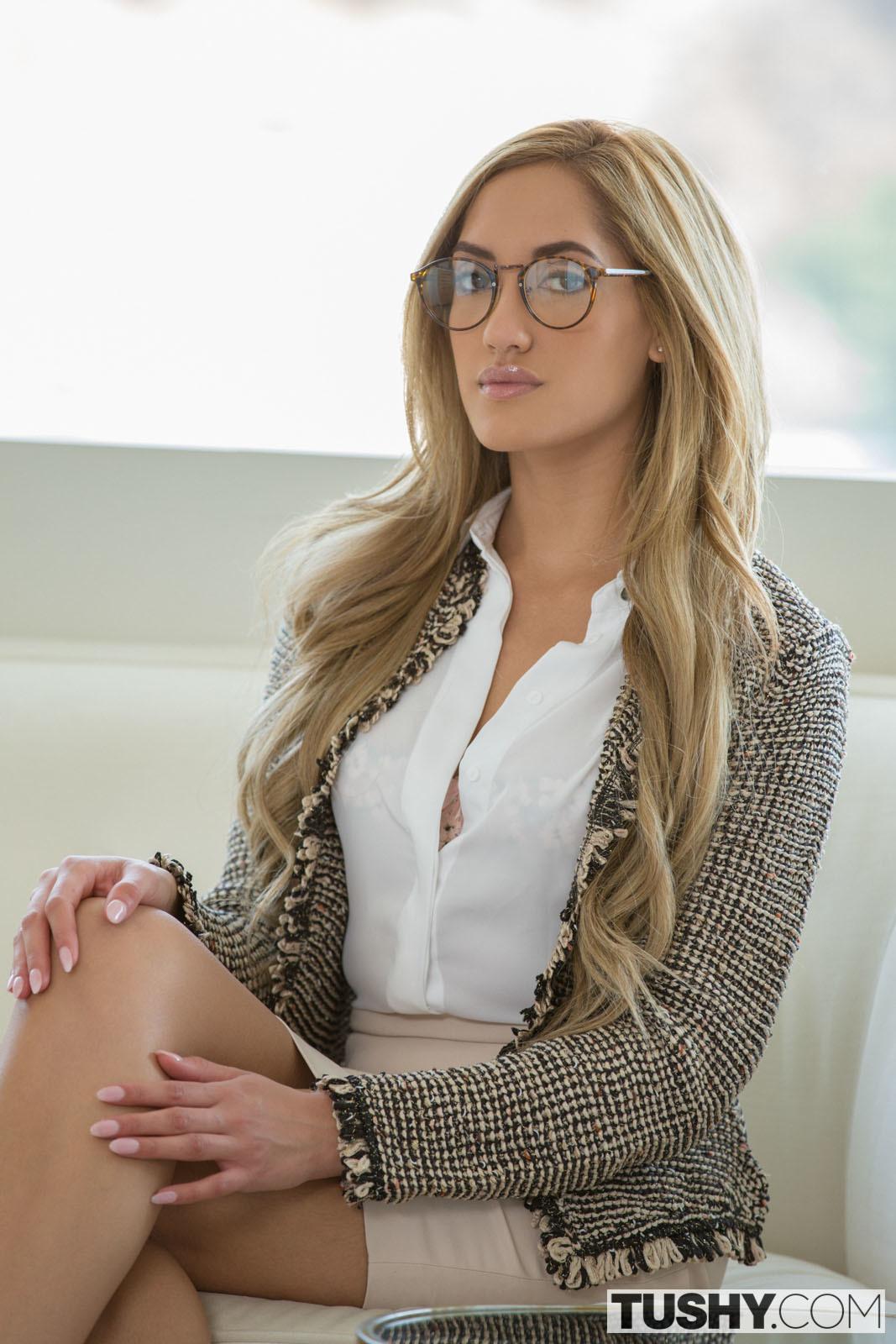 Chloe Amour Double Penetration - free porn ...
