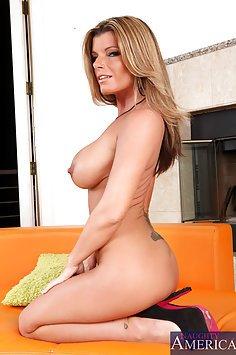Hot MILF Kristal Summers Cock Loving