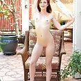 Emma Stoned Outdoor Pussy - free porn