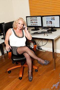 Rachel Love Office Pussy