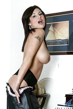 Naughty Maide Lola Lynn
