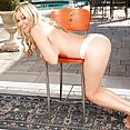 Angela Harley Getting Naked In Public - free porn
