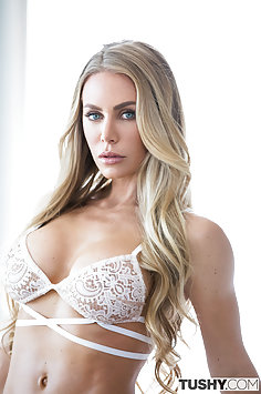 Nicole Aniston Gets Ass Fucked