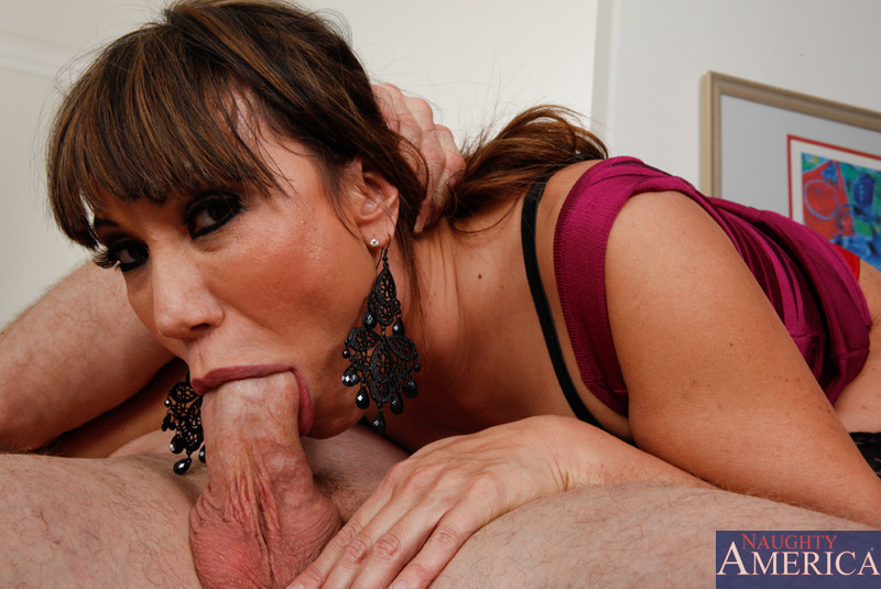 Ava devine milfs like it big 5