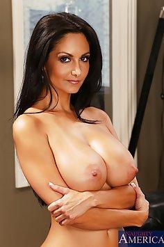Busty Ava addams is a super sexy hardcore MILF