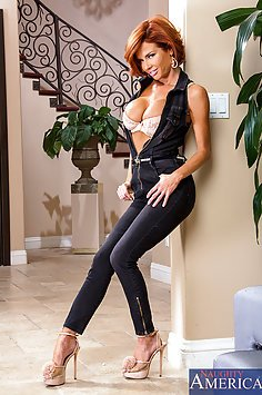 Cougar Veronica Avluv Rents Some Cock