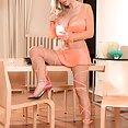 Annina Ucatis Sexy Bruste - image