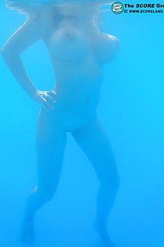 Huge Wet Tits Underwater