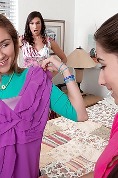 Teen Lezzie Three-way With A Milf
