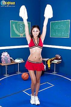 Hot Cheerleader Ariana Marie