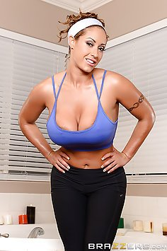 Eva Notty and the Naughty Workout