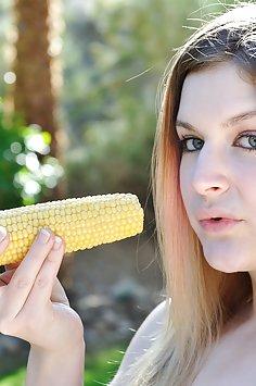 Danielle sticks a corn cob in her pussy