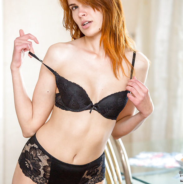 Sexy Redhead Nansy Enn
