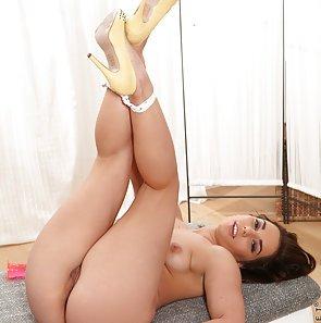 jenny glam Loves Her Sex Toys