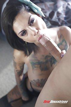 Bonnie Rotten Down The Throat