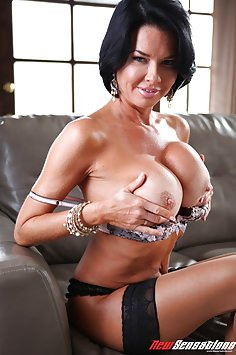 Veronica Avluv in Wife Breeders Black Cock Anal