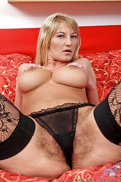 Very Hairy MILF Vanessa Sweets