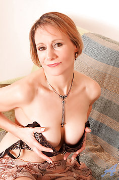 Cougar Fingers Her Pussy