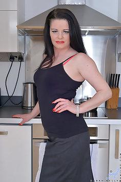Hot Wife Sarah Kelly