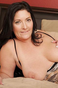 Hot Wife Sammy Brooks Want To Cum