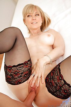 Nina Hartley Gets Her Pussy Pounded