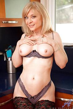 Nina Hartley Hot MILF in Stockings