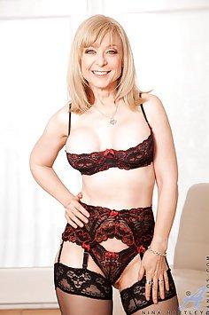 Nina Hartley Pleasures Her MILF Pussy