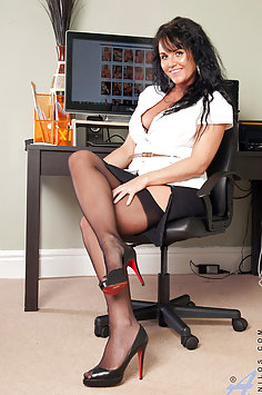 Raven Lee Classy Horny Businesswoman