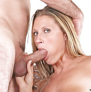 Dirty Cougar Devon Lee Suck and Fuck