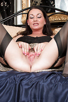 Cock Starved Mommy