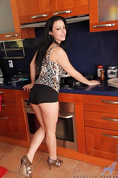 Angelica Raven Cumming in the Kitchen