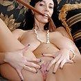 Alia Janine MILF pussy Play - image 2