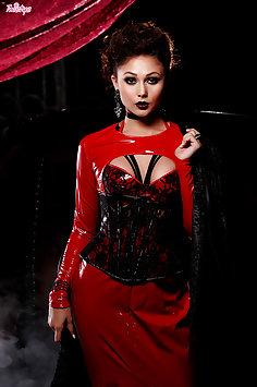 Vampire Lady Masturbates