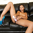 Skin Diamond masturbates with vibrator - image