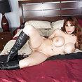 Brunette Pornstar Alyssa Lynn - image