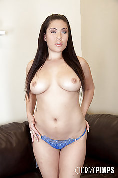 Sexy London Keyes Sybian Lover