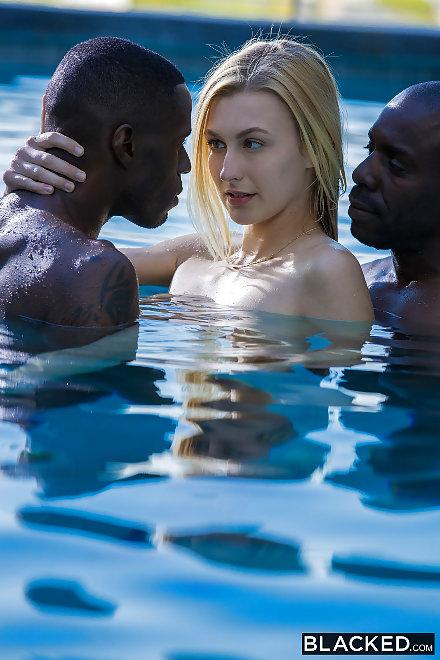 Alexa Grace Threesome On The Blacked