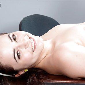Schoolgirl Kylie Quinn Panty Flashing
