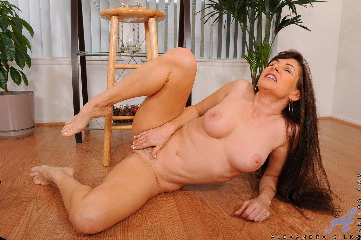 Alexandra Silk Porn alexandra silk hot cougar in heat lynxxx xxx porn tgp