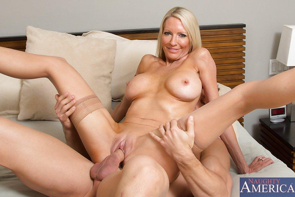 Alyssa milano nude sexy